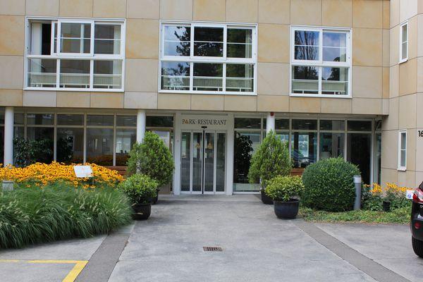 Hallenbad Parkresidenz Meilen Haupteingang