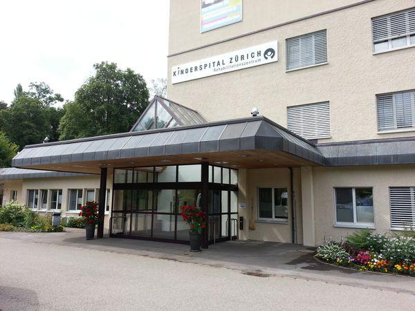 Hallenbad Affoltern Haupteingang