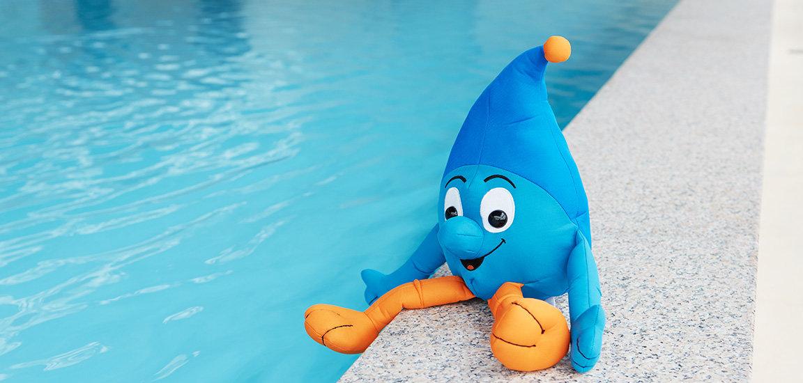 Flowie im Wasser. Babyschwimmen bei First Flow.