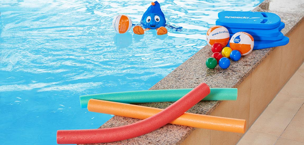 piscine pool Flowie dans l'eau flotteurs